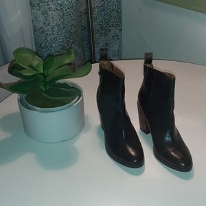 Gap brown ankle boots